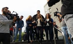 ענבל אור יוצאת מבית המשפט (צילום: עזרי עמרם, חדשות 2)