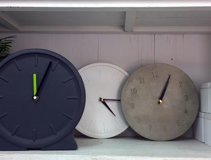 35 שעוני בטון של סטודיו לולה, מחיר-56 שקל