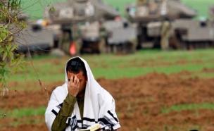 חייל מתפלל (צילום: חדשות)