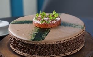 עוגת שוקולד - מקרון תפוז דם ונענע (צילום: אפיק גבאי, בייק אוף ישראל)