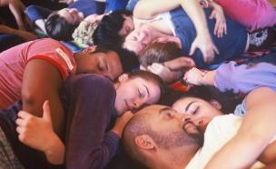 מסיבת כירבולים (צילום: cuddleparty.com)