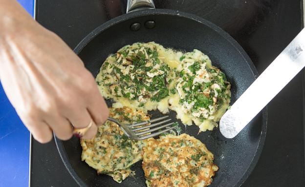 מצה בריי דיאטטית - הטיגון (צילום: דרור עינב, אוכל טוב)
