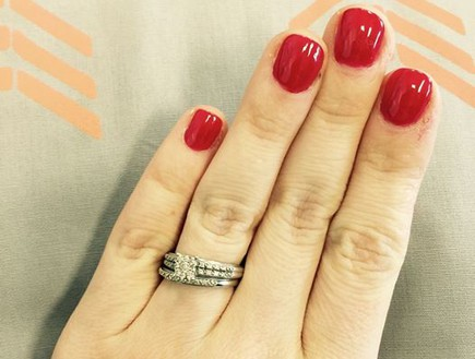 טבעת אירוסין קטנה