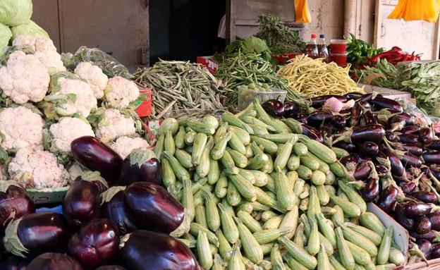 שוק רמלה דוכן חצילים (צילום: ג'רמי יפה,  יחסי ציבור )