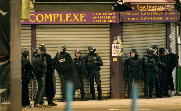 פריז בליל הפיגוע (ארכיון) (צילום: רויטרס)