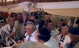ניצולי שואה חגגו בר מצווה בירושלים (צילום: חדשות 2)