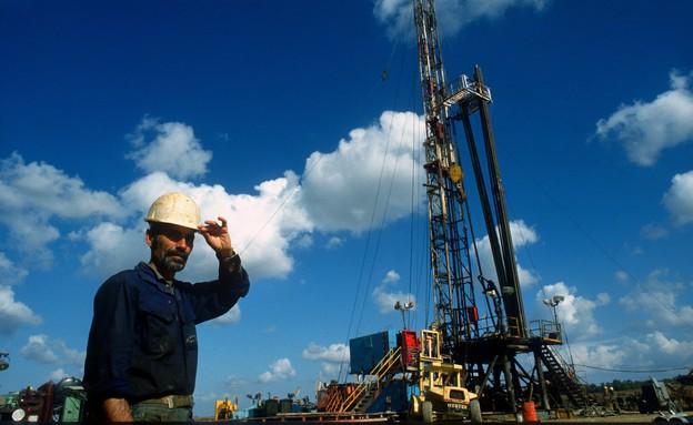קידוח הנפט בחלץ, שנות ה-80 (צילום: משה שי לפלאש 90)