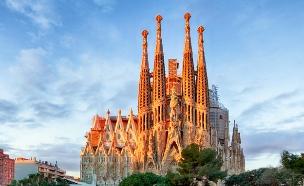 בניינים שחייבים לראות, סגרדה פמילייה ברצלונה (צילום: Shutterstock)