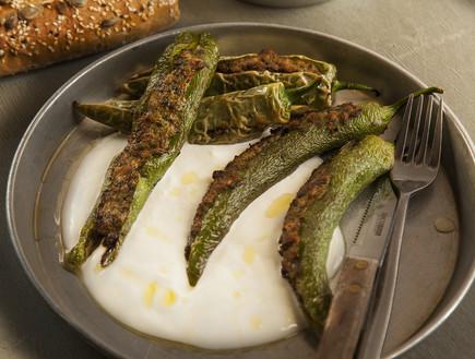 פלפלים חריפים ממולאים  (צילום: אפיק גבאי, אוכל טוב)