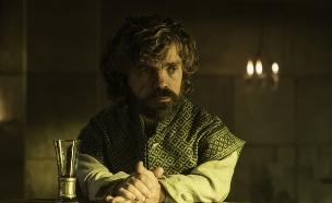 פיטר דינקלג' (טיריון לאניסטר) ב'משחקי הכס' עונה 6 פרק 3 (צילום: באדיבות HBO,  יחסי ציבור )