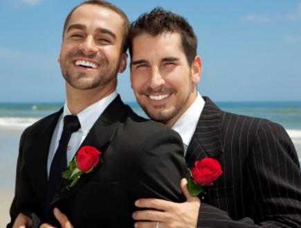 זוג חתנים גייז ביום חתונתם