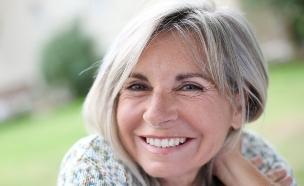 אישה מבוגרת (צילום: ESB Professional, Shutterstock)
