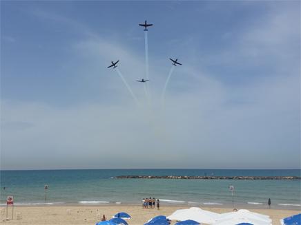 מטס יום העצמאות (צילום: עזרי עמרם, חדשות 2)