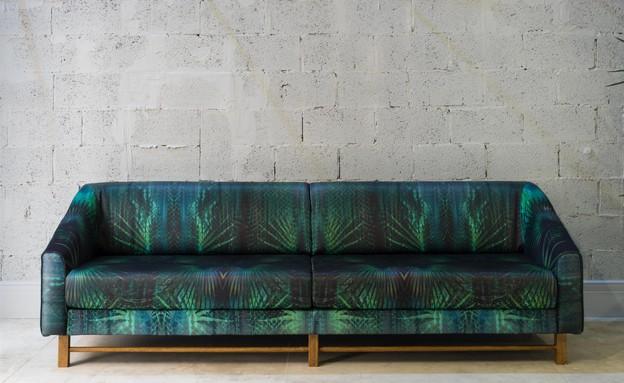 קיץ, ספה עם הדפס בוטני של יוסף, 9500 שקלים. להשיג בבית יוסף ויעקב  (צילום: יואב פלד)