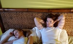 בחור עם אישה במיטה (צילום: אימג'בנק / Thinkstock)