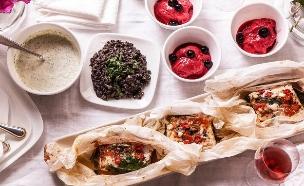 ארוחה במעטפה (צילום: אפיק גבאי, סטיילינג: דיאנה לינדר)