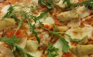 פיצה דומינוס ואסף גרניט - 4 מחבתות (צילום: צילום ביתי, אוכל טוב)