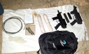 חיילים מוכרים נשק לעבריינים (צילום: דוברות המשטרה)