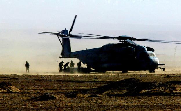 מסוק יסעור על הקרקע (צילום: Paula Bronstein, GettyImages IL)