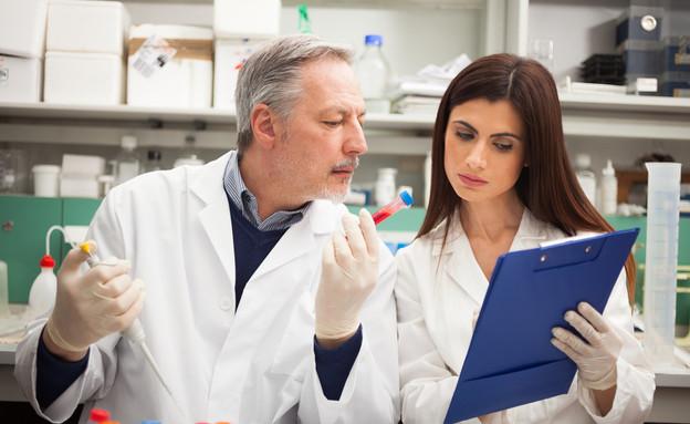 עובדי מעבדה (אילוסטרציה: Shutterstock)