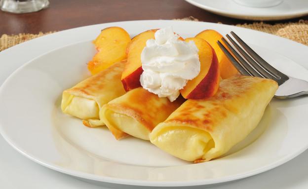 בלינצ'ס גבינה וצימוקים (צילום: Shutterstock, אוכל טוב)