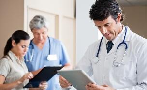 רופא (צילום: Tyler Olson, Shutterstock)