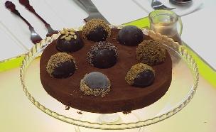 עוגת כדורי הפתעה (צילום: דניאל בר און, בייק אוף ישראל)