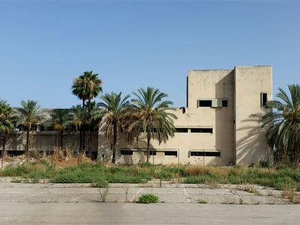 המפעל לפני הריסתו (צילום: עזרי עמרם, חדשות 2)