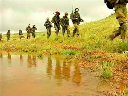 הוסרה חלודה מכוחות הקרקע (ארכיון) (צילום: חדשות 2)