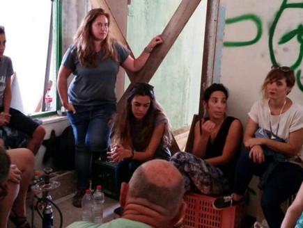 מתנדבי העמותה בסיור בתים מבפנים
