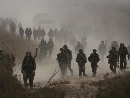 חיילים עוזבים יוצאים מלבנון בסוף מלחמת לבנון השניה