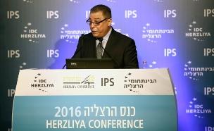 השגריר המצרי בכנס הרצליה, היום (צילום: עדי כהן צדק)