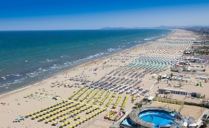 החוף ברימיני (צילום: Gianluca Figliola Fantinim, Shutterstock)