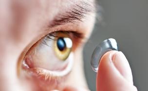 עדשות מגע (צילום: Sergey Ryzhov, Shutterstock)