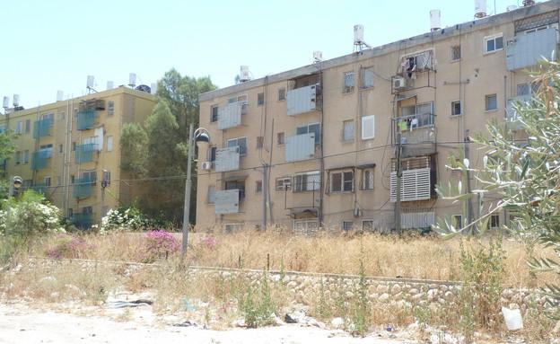 בניין בשכונה ד' בבאר שבע (צילום:  שמעון איפרגן   )