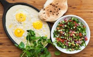 סינייה ביצים וטחינה (צילום: אפיק גבאי, אוכל טוב)