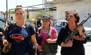 תושבות כפר לבנוני שספג פיגוע מאבטחות את כפרן (צילום: חדשות 2)