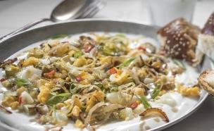 סלט קישואים עם יוגורטחינה (צילום: אנטולי מיכאלו, אוכל טוב)