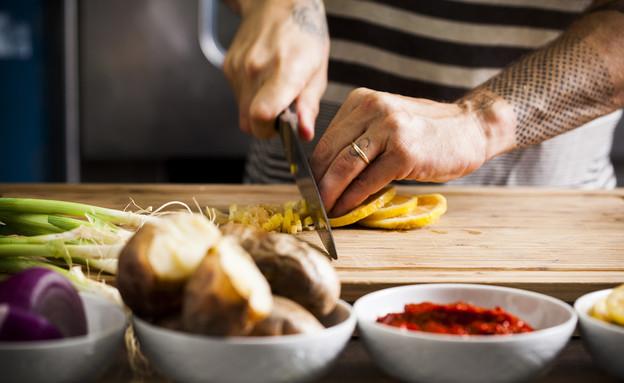 עומר מבשל - פריקסה (צילום: אפיק גבאי, אוכל טוב)