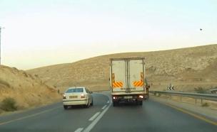 צפו: עבריין התנועה כמעט גרם לאסון (צילום: דיווחי הרגע)