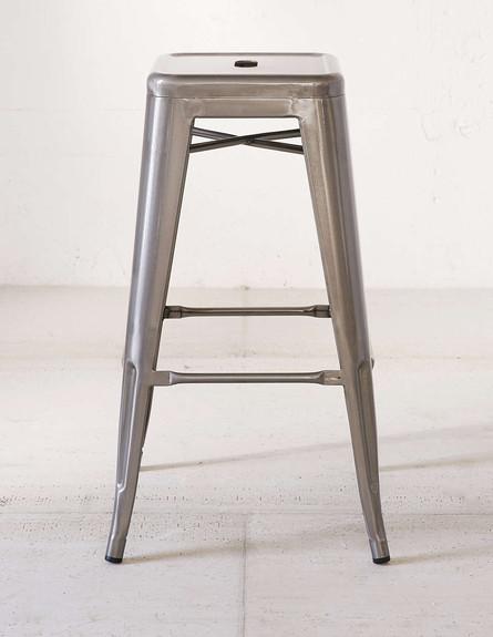כיסא בר, מחיר-654 שקל (צילום: urbanoutfitters.com)