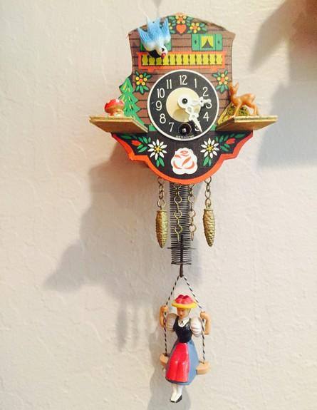 אוספים, שירי אשד שחר, ג, שעון הקוקייה שהתחיל את האוסף (צילום: שירי אשד שחר)