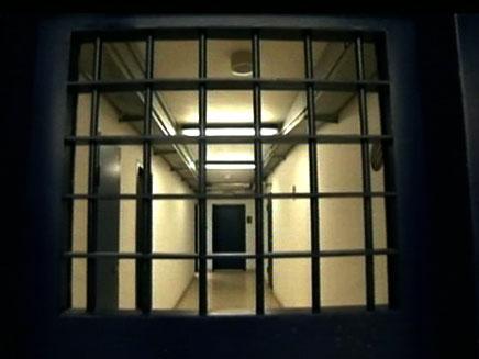 10 שנות מאסר למצבע אונס בבת 9