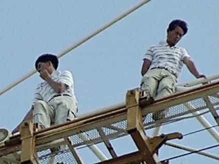 """""""רוצים עובדים סינים"""" (צילום: חדשות 2)"""