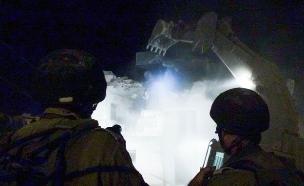 """המחבלים רגע לפני הפיגוע (צילום: דובר צה""""ל)"""