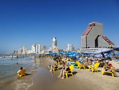 תפסיקו לשמור על החופים בישראל - זה רע לכלכלה