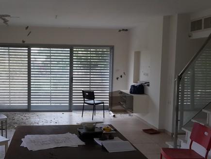 מעיין גבאי,סלון לפני, צילום ביתי (צילום: ביתי)