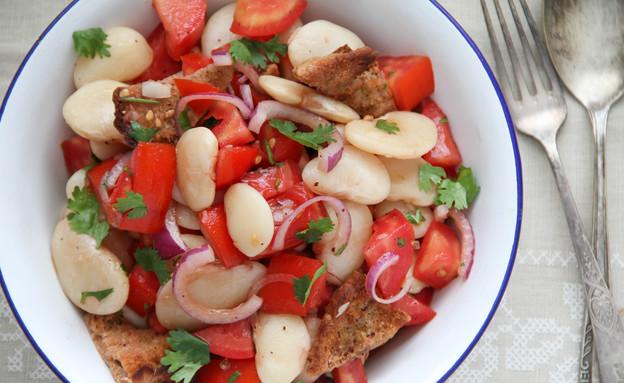 סלט עגבניות ושעועית לבנה