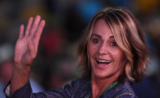נדיה קומנץ' בטקס הפתיחה של אולימפיאדת ריו (צילום: Ross Kinnaird, GettyImages IL)
