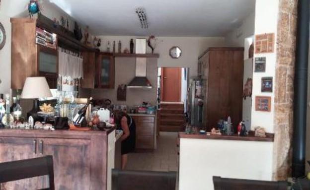 עינב גלילי, מטבח לפני, צילום ביתי (צילום: אביב קורט)